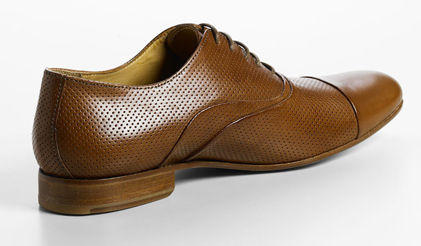 Generic Man Perforated Leather Oxfords